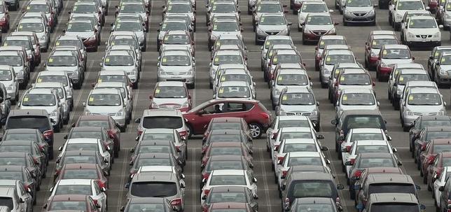 5月23日、WTOは中国の自動車輸入関税は貿易ルールに反しているとの米国の訴えを認める判断を下した。写真は2012年6月、大連の港湾施設で(2014年 ロイター)