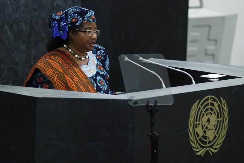 Malawi President Joyce Banda addresses the 68th United Nations General Assembly at U.N. headquarters in New York, September 24, 2013. REUTERS/Eduardo Munoz