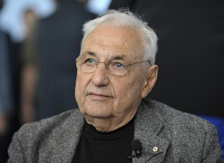 Architect Frank Gehry listens during a news conference in Toronto October 1, 2012.  REUTERS/Mike Cassese