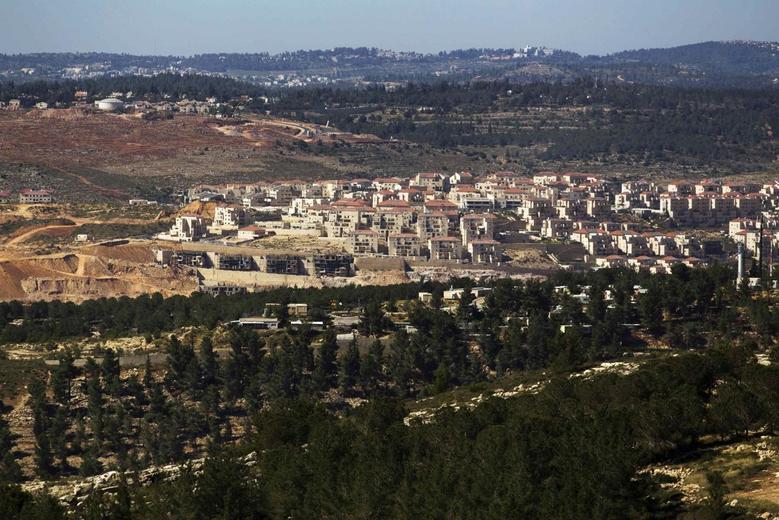 A general view shows the West Bank Jewish settlement of Beitar Ilit, near Bethlehem April 30, 2014. REUTERS/Amir Cohen
