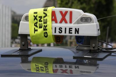 Taxis sow traffic chaos in Europe protesting against...