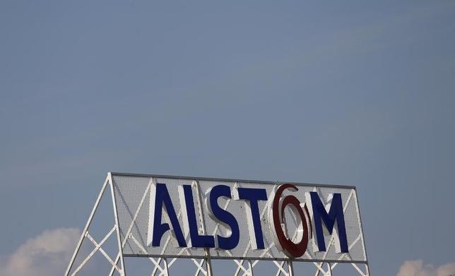 The logo of French power and transport engineering company Alstom is pictured on the roof of the company's plant in Reichshoffen near Haguenau, North Eastern France, April 24, 2014. REUTERS/Vincent Kessler