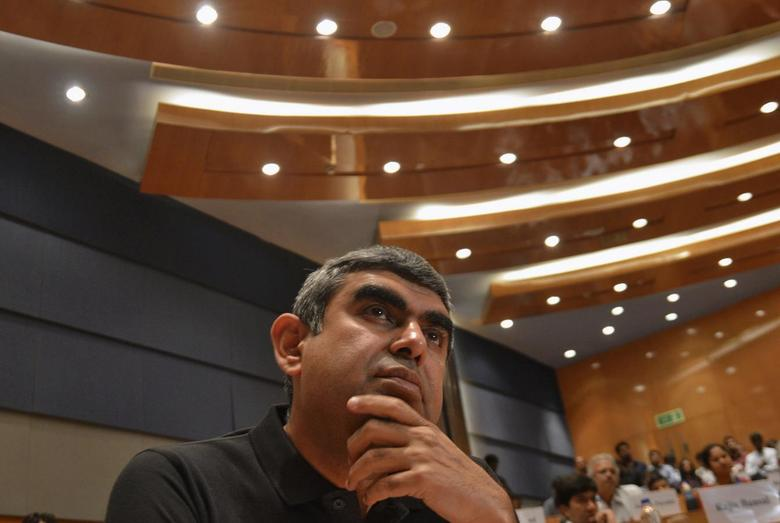 Infosys' newly appointed chief executive officer Vishal Sikka attends a news conference at company's headquarters in the southern Indian city of Bangalore June 12, 2014.   REUTERS/Stringer