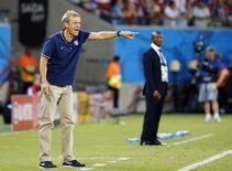 O técnico da seleção dos EUA, Juergen Klinsmann, durante partida contra Gana na Arena das Dunas, em Natal. 16/6/2014 REUTERS/Stefano Rellandini