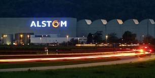 Siemens et Mitsubishi Heavy Industries sont ouverts à l'idée d'une entrée de l'Etat français au capital d'Alstom si leur offre de reprise des activités d'énergie de ce dernier est retenue. /Photo d'archives/REUTERS/Arnd Wiegmann