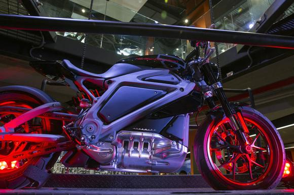 An electric Harley-Davidson motorcycle that is part of the ''Project Livewire'' stands as part of a display in the company's store in New York June 23, 2014. REUTERS/Lucas Jackson