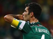 Mexicano Rafael Márquez comemora gol em partida contra a Croácia, na Arena Pernambuco. 23/6/2014.  REUTERS/Paul Hanna