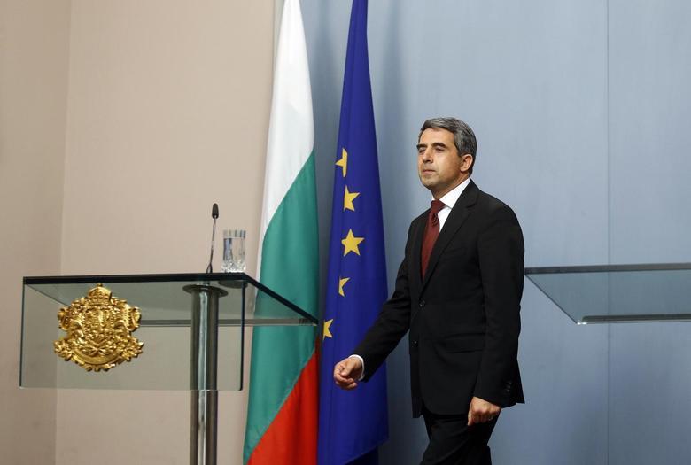 Bulgarian President Rosen Plevneliev arrives to deliver a statement in the Presidency in Sofia June 17, 2014.  REUTERS/Stoyan Nenov