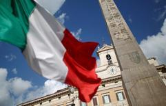 L'Institut national de la statistique anticipe une croissance de l'économie italienne légèrement supérieure à zéro en 2014, ce qui reflète la détérioration des perspectives depuis le début de l'année. /Photo d'archives/REUTERS/Tony Gentile