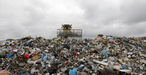EU unveils new recycling targets, landfill ban