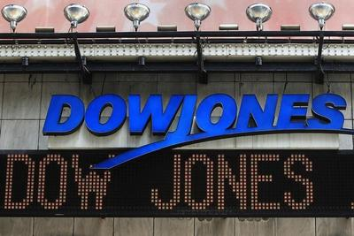 Dow pops above 17,000, S&P 500 at record as jobs jump