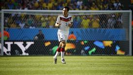 Mats Hummels, da Alemanha, celebra gol em partida contra França no Estádio do Maracanã, Rio de Janeiro. 4/7/2014 REUTERS/Kai Pfaffenbach