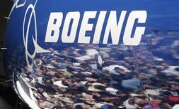 Boeing pourrait devoir assumer des coûts de développement nettement supérieurs à ses prévisions pour le KC-46, le futur avion ravitailleur de l'armée de l'air américaine, même si le contrat prévoit que le constructeur assume seul ces dépassements, déclare le responsables des achats du Pentagone.  /Photo d'archives/REUTERS/Robert Sorbo
