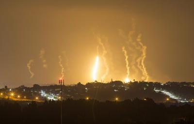 Gaza bloodshed deepens as airlines shun Israel