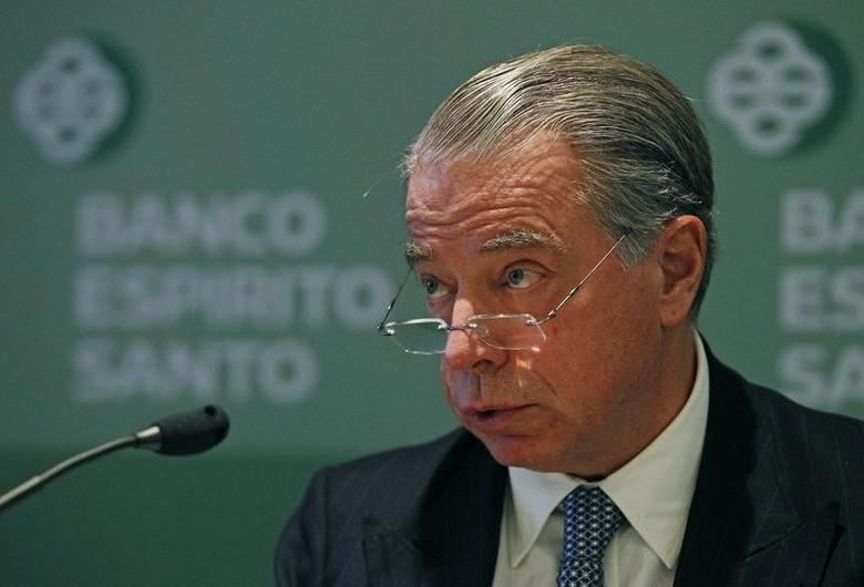 Portuguese Bank Espirito Santo's CEO Ricardo Salgado announces their 2011 results during a news conference in Lisbon February 3, 2012. Banco Espirito Santo reported on Friday a 2011 net loss of 109 million euros ($143.03 million) as the bank was hit by Portugal's debt crisis and the transfer of its pension assets to the state. REUTERS/Jose Manuel Ribeiro (PORTUGAL - Tags: BUSINESS) - RTR2X9MJ