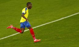 Equatoriano Enner Valencia comemora gol marcado na Copa do Mundo contra Honduras. 20/06/2014 REUTERS/Amr Abdallah Dalsh