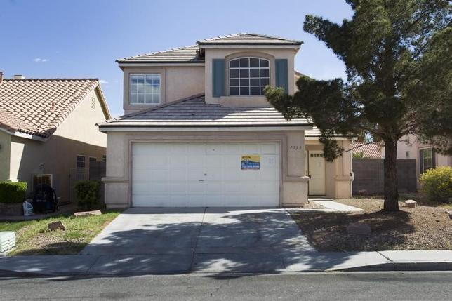A vacant home is shown in North Las Vegas, Nevada April 2, 2013.       REUTER/Steve Marcus