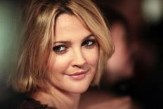 """A atriz Drew Barrymore chega para a pré-estreia do filme """"Estão Todos Bem"""", em Nova York, nos Estados Unidos, em 2009. 03/12/2009 REUTERS/Lucas Jackson"""