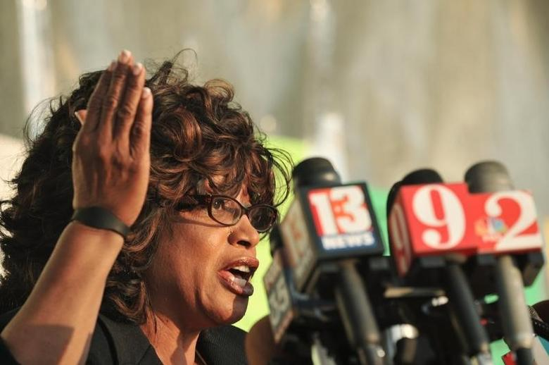 Florida congresswoman Corrine Brown speaks during a public rally at Fort Mellon Park in Sanford, Florida March 22, 2012. Florida legislative leaders said they plan to call a special session after a judge ordered them to redraw the state's U.S. congressional maps and held open the possibility of delaying general elections in November. The focus will be on the congressional districts represented by Corrine Brown, a Democrat in a serpentine district stretching from Jacksonville in north Florida to Orlando in the central state, and Daniel Webster, an Orlando-area Republican. REUTERS/Octavian Cantilli