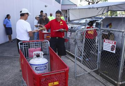 Hawaii braces for Hurricane Iselle, with Julio right...