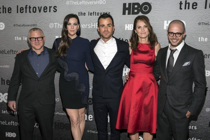 (L-R) Show creator Tom Perrotta, actors Liv Tyler, Justin Theroux and Amy Brenneman and show creator Damon Lindelof attend the NY Season Premiere of HBO's ''The Leftovers'' in New York June 23, 2014. REUTERS/Andrew Kelly