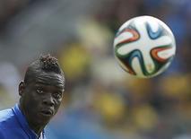Atacante italiano Mario Balotelli em partida da Copa do Mundo contra o Uruguai em Natal. 24/06/2014  REUTERS/Toru Hanai