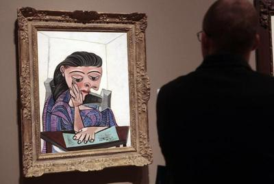 Bankrupt Detroit offered bigger loan secured by art