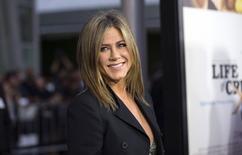 """A atriz Jennifer Aniston chega à pré-estreia do filme """"Life of Crime"""", em Los Angeles, nos Estados Unidos, na quarta-feira. 27/08/2014 REUTERS/Mario Anzuoni"""