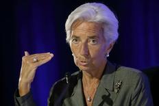 """La directrice générale du Fonds monétaire international Christine Lagarde demande à la France d'accélérer les réformes de fonds pour relancer sa croissance économique. """"Même si l'inflation est plus faible que prévu, elle ne peut pas être utilisée comme un paravent pour reporter les efforts nécessaires"""", estime l'ancienne ministre française des Finances. /Photo prise le 18 juillet 2014/REUTERS/Philippe Wojazer"""