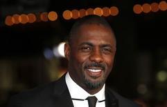 Ator Idris Elba em Londres. 05/12/2013 REUTERS/Suzanne Plunkett