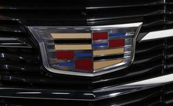 """A General Motors disse nesta sexta-feira que começará a produção de um novo """"carro de luxo, de alta tecnologia"""" até o final de 2015, conforme busca impulsionar sua marca Cadillac que outrora dominou o mercado de carros de luxo dos Estados Unidos. 14/01/2014 REUTERS/Rebecca Cook"""