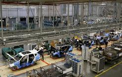 An overall view of the assembly line where the BMW X4 is made at the BMW manufacturing plant in Spartanburg, South Carolina March 28, 2014. REUTERS/Chris Keane