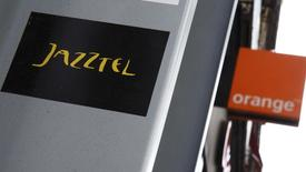 Orange ne relèvera pas son offre, actuellement de 3,4 milliards d'euros, sur l'opérateur télécoms espagnol Jazztel, déclare Stéphane Richard, PDG du groupe français dans un entretien publié par le journal El Pais. /Photo prise le 16 septembre 2014/REUTERS/Andrea Comas