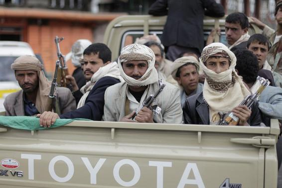 Shi'ite Houthi rebels ride a patrol truck in Sanaa in this October 9, 2014 file photo. REUTERS-Khaled Abdullah-Files