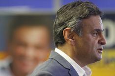 Candidato do PSDB à Presidência, Aécio Neves, em entrevista no Rio de Janeiro. 23/10/2014 REUTERS/Sergio Moraes