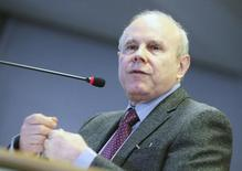Ministro da Fazenda, Guido Mantega. REUTERS/Chico Ferreira (BRAZIL - Tags: BUSINESS POLITICS ELECTIONS)