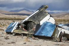 Imagen de escombros del SpaceShipTwo de Virgin Galactic cerca de Cantil, California. Noviembre 1, 2014.  REUTERS/Lucy Nicholson   (UNITED STATES - Tags: DISASTER TRANSPORT BUSINESS)