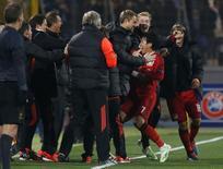 Jogador do Bayer Leverkusen Son Heung-Min comemora gol contra o Zenit. 4/11/2014   REUTERS/Alexander Demianchuk