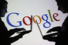Le Parlement européen s'apprête à appeler à une scission de Google pour séparer ses services de recherche de ses autres activités, rapporte vendredi le Financial Times qui cite un projet de motion dans ce sens. /Photo prise le 29 octobre 2014/REUTERS/Dado Ruvic