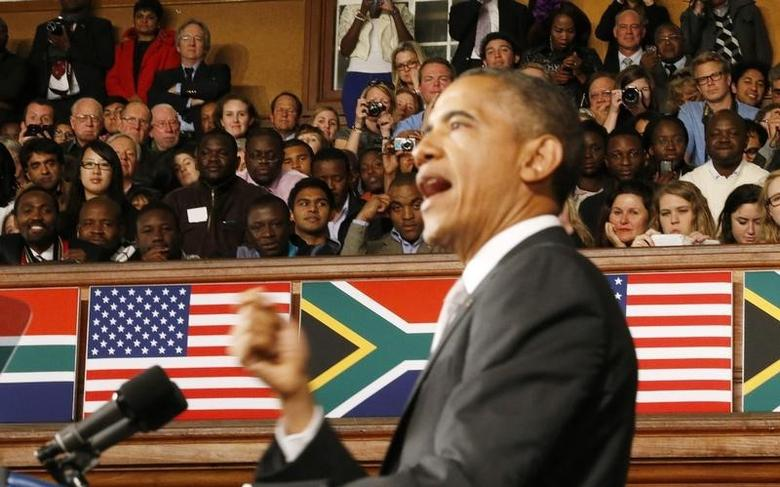 U.S. President Barack Obama delivers remarks at the University of Cape Town, June 30, 2013.   REUTERS/Jason Reed