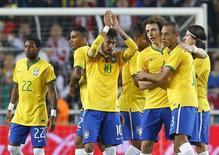 Neymar comemora gol do Brasil contra a Turquia, em 12 de novembro.   REUTERS/Murad Sezer