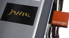 Selon deux sources au fait du dossier, les autorités européennes de la concurrence devraient ouvrir un examen approfondi du projet de rachat de l'opérateur espagnol Jazztel par Orange, les deux sociétés n'ayant pas répondu à toutes leurs inquiétudes. /Photo prise le 16 septembre 2014/REUTERS/Andrea Comas
