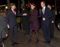 Britain's Prince William, Duke of Cambridge, and his wife Catherine, Duchess of Cambridge, arrive at the Carlyle hotel in New York, December 7, 2014.    REUTERS/NY Post/Chad Rachman/Pool