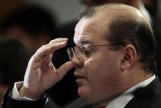 Presidente do Banco Central, Alexandre Tombini, durante audiência pública no Senado, em Brasília. 10/12/2013. REUTERS/Ueslei Marcelino