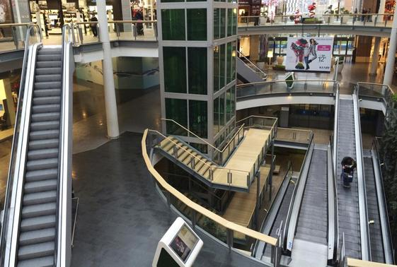 A view shows the interior of Le Millenaire mall in Aubervilliers near Paris November 19, 2014.   REUTERS-Jacky Naegelen