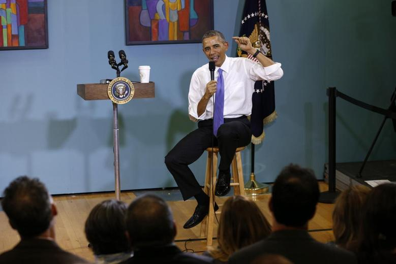 U.S. President Barack Obama speaks about immigration reforms during a visit to Casa Azafran in Nashville, Tennessee December 9, 2014.  REUTERS/Kevin Lamarque