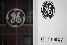 Logotipo do conglomerado norte-americano General Electric em Belfort, França. 27/04/2014 REUTERS/Vincent Kessler