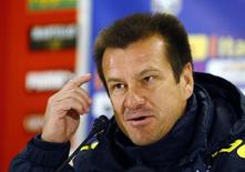 Técnico Dunga concede entrevista em Viena. 17/11/2014.   REUTERS/Leonhard Foeger