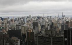 Vista aérea do centro de São Paulo. 18/06/2014 REUTERS/Maxim Shemetov