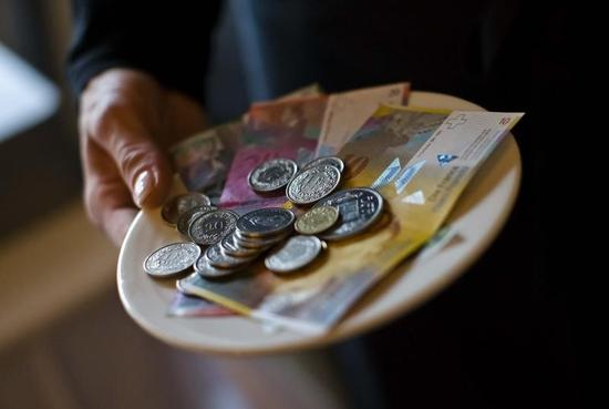 スイスフラン下落、スイス中銀が介入か=NY市場
